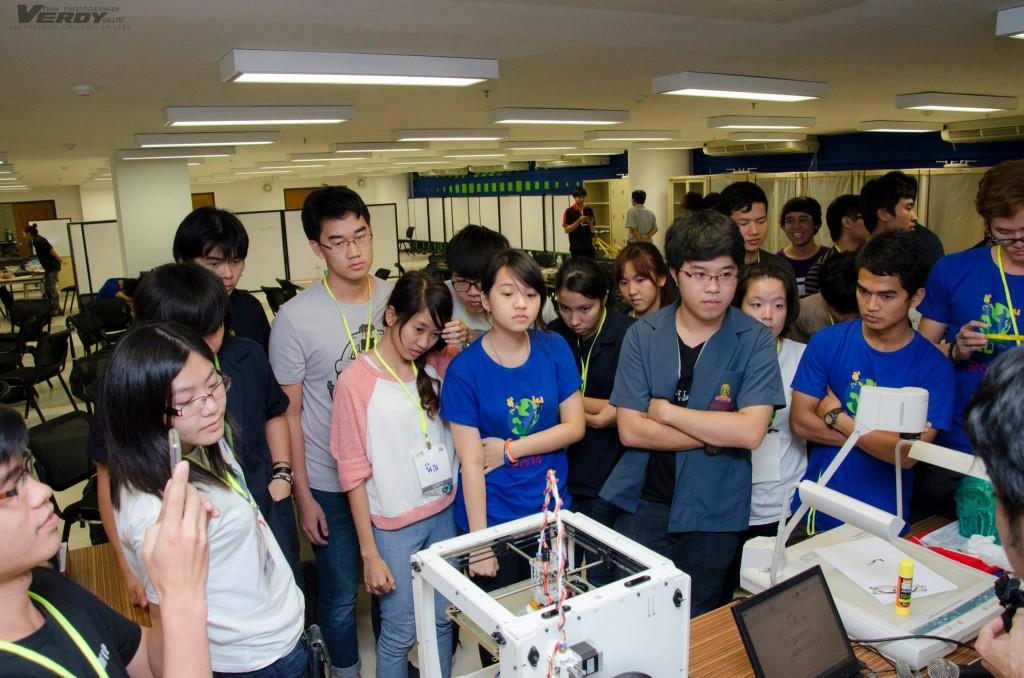 เรียนรู้วิธีการใช้ 3D Printer